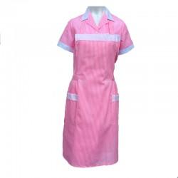 Bata de uniforme con delantal